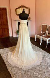 Je T'aime   Wedding Dress   Column   SH72S
