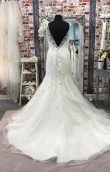 Madeline Gardner | Wedding Dress | Fit to Flare | CA116G