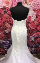Stella York | Wedding Dress | Fit to Flare | ST347