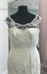 Sassi Holford | Wedding Dress | Fit to Flare | D971K