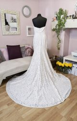 Modeca | Wedding Dress | Fit to Flare | W617L