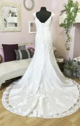 Catherine Parry | Wedding Dress | Fit to Flare | W644L