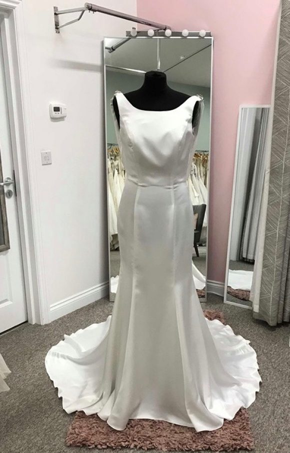 Phoenix Gowns | Wedding Dress | Fit to Flare | C1613