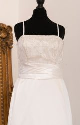 Ronald Joyce | Wedding Dress | Fit to Flare | WH25C