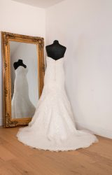 Ronald Joyce | Wedding Dress | Fit to Flare | WH43C