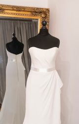Suzanne Neville | Wedding Dress | Fit to Flare | WH68C