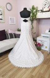 Sassi Holford | Wedding Dress | Fit to Flare | W671L