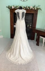 Diane Harbridge | Wedding Dress | Fit to Flare | SH99