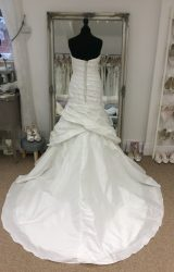 Jade Dancess | Wedding Dress | Fit to Flare | LE259M