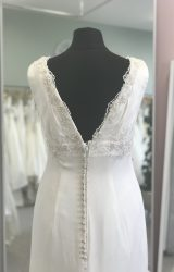Charlotte Balbier | Wedding Dress | Column | D1026K