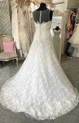 Amanda Wyatt | Wedding Dress | Fit to Flare | M126S