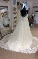 Richard Designs   Wedding Dress   Aline   LE260M