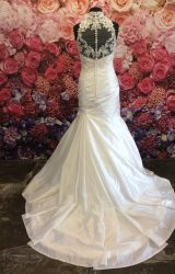 Enzoani | Wedding Dress | Fit to Flare | ST393S