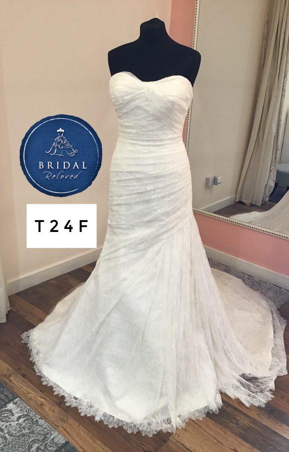 Justin Alexander   Wedding Dress   Fit to Flare   T24F