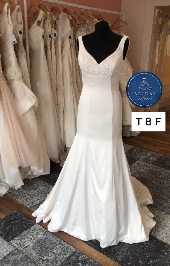 Benjamin Roberts   Wedding Dress   Fit to Flare   T8F