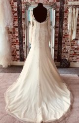 Benjamin Roberts | Wedding Dress | Fit to Flare | CA140G
