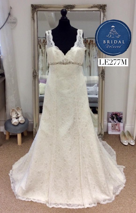 Kate Walker | Wedding Dress | Fit to Flare | LE277M