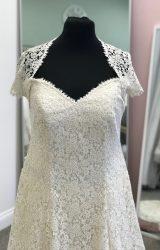 Bowen Dryden | Wedding Dress | Aline | D984