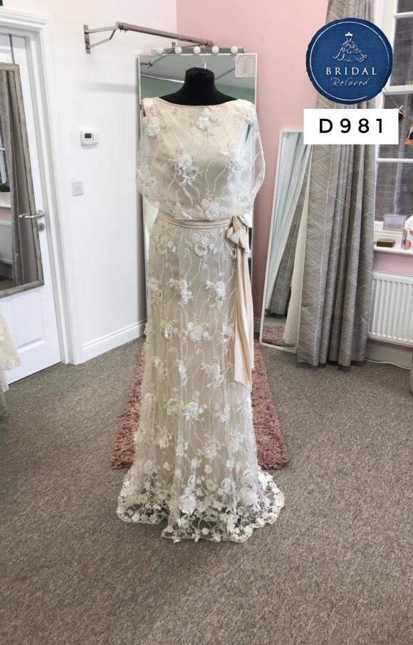 Bowen Dryden   Wedding Dress   Column   D981