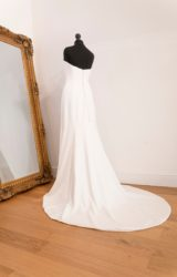 Suzanne Neville | Wedding Dress | Fit to Flare | WH104