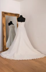 Pronovias | Wedding Dress | Fit to Flare | WH36C
