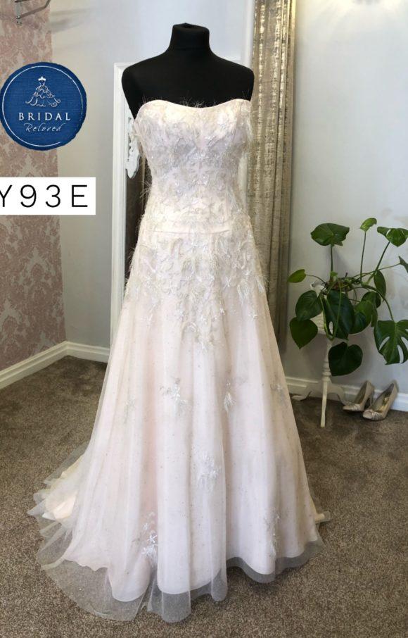 Donna Salado   Wedding Dress   Aline   Y93E