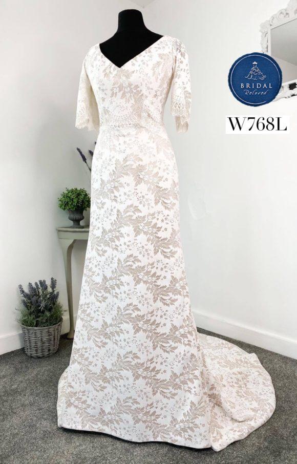 Alan Hannah   Wedding Dress   Fit to Flare   W768L