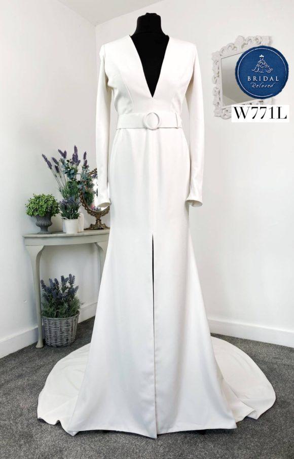 Alan Hannah | Wedding Dress | Fit to Flare | W771L