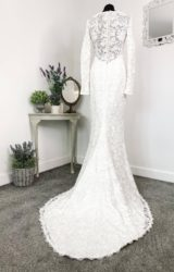 Alan Hannah | Wedding Dress | Fit to Flare | W782L