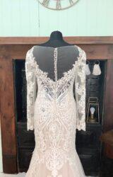Martin Thornburg | Wedding Dress | Fit to Flare | SH143