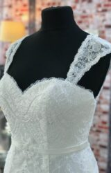 Charlotte Balbier   Wedding Dress   Fit to Flare   CA164G