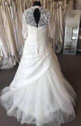 Beautiful Curves | Wedding Dress | Aline | B253M