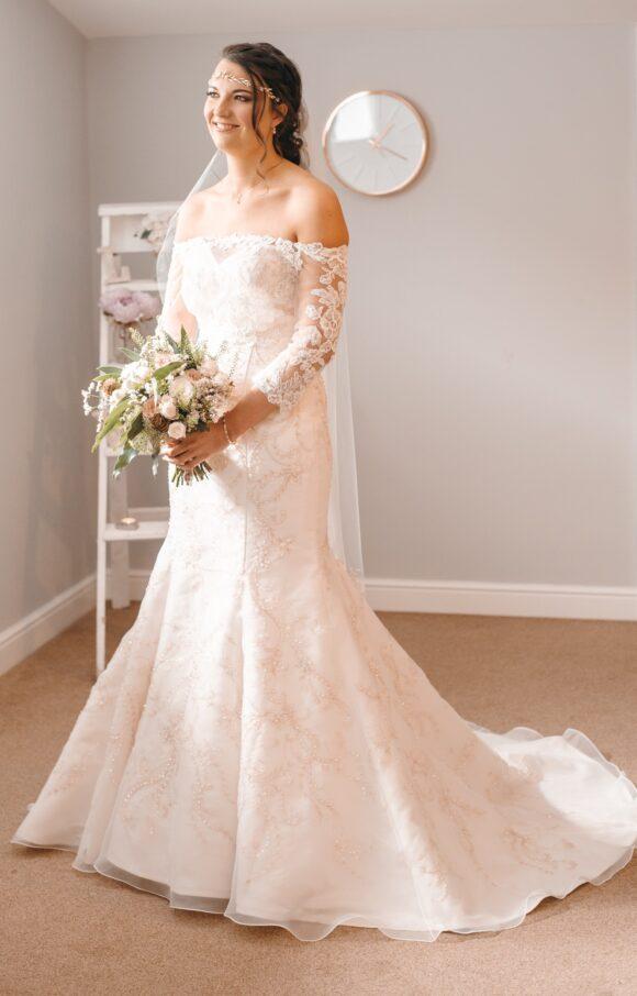 Casablanca   Wedding Dress   Fit to Flare   C1812