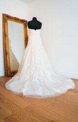 Pronovias   Wedding Dress   Drop Waist   WH136C