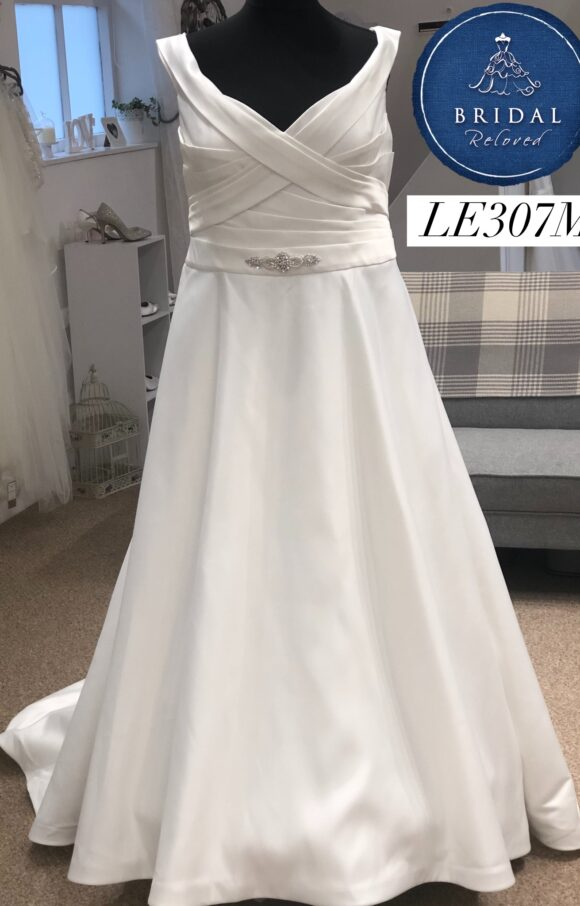 Terra Bridal | Wedding Dress | Aline | LE307M