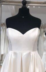 Terra Bridal | Wedding Dress | Tea Length | LE304M