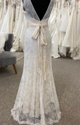 Terry Fox | Wedding Dress | Empire | D1110