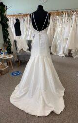 Amanda Wyatt | Wedding Dress | Fit to Flare | D1104K