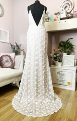 Charlie Brear | Wedding Dress | Fit to Flare | W871L