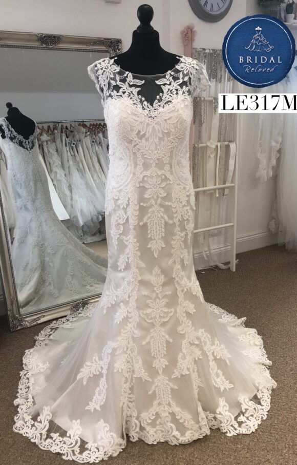 Justin Alexander   Wedding Dress   Fit to Flare   LE317M