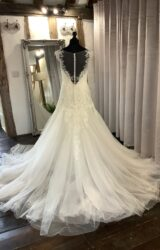 Benjamin Roberts | Wedding Dress | Fit to Flare | LA103L