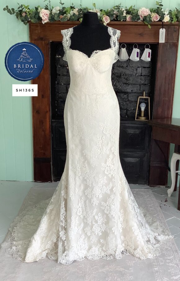 Suzanne Neville   Wedding Dress   Fit to Flare   SH136S