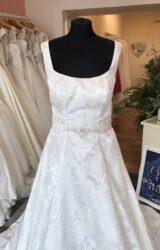 Pure Bride | Wedding Dress | Aline | T141F