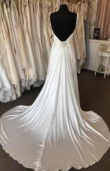 White Rose | Wedding Dress | Empire | B125M