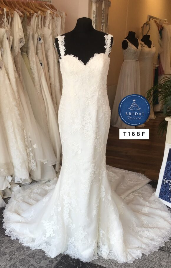 Modeca | Wedding Dress | Fit to Flare | T168F