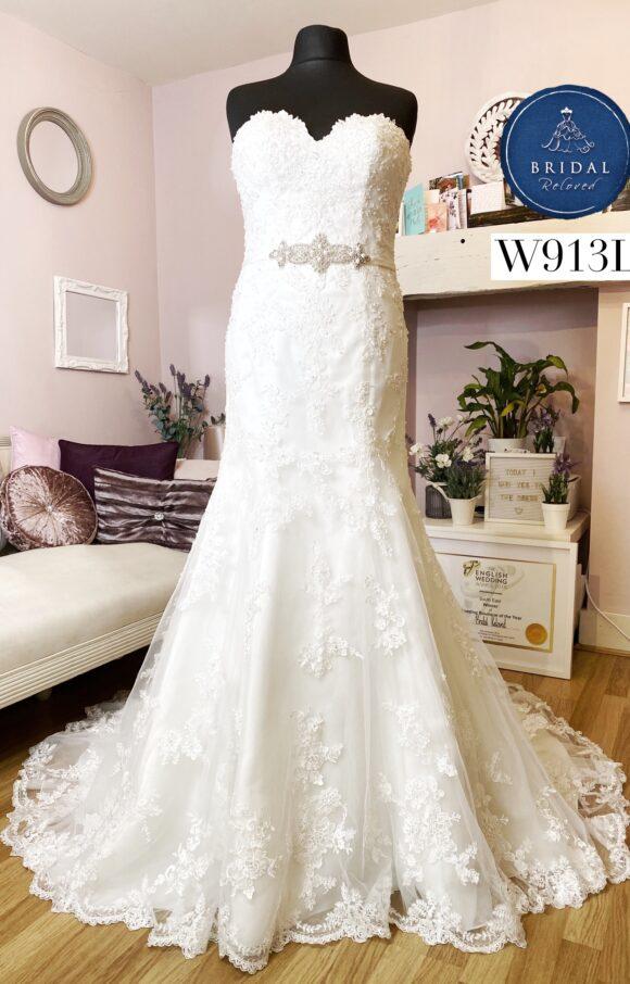 Ronald Joyce   Wedding Dress   Fit to Flare   W913L