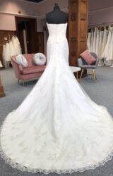 Benjamin Roberts | Wedding Dress | Fit to Flare | G31C