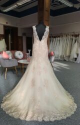 Stella York | Wedding Dress | Fit to Flare | G46C