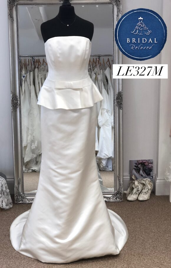 Alan Hannah | Wedding Dress | Fit to Flare | LE327M