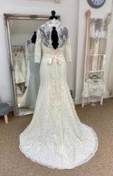 Nicola Ann | Wedding Dress | Fit to Flare | LE324M